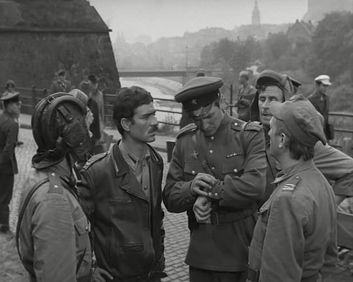 """Четыре танкиста и собака. 21 серия """"Дом"""" [1966-1970, военный]"""