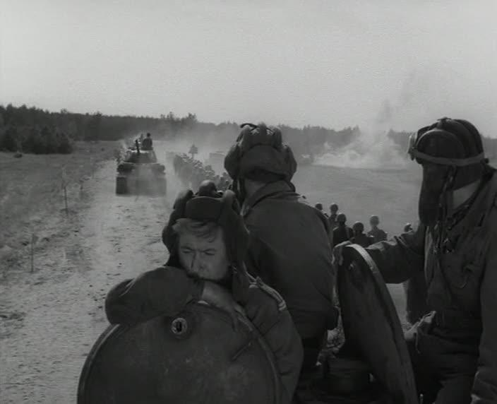 """Четыре танкиста и собака. 2 серия """"Радость и горе"""" [1966-1970, военный]"""