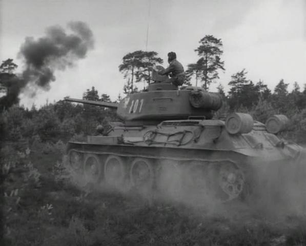 """Четыре танкиста и собака. 4 серия """"Собачий коготь"""" [1966-1970, военный]"""
