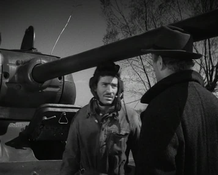 """Четыре танкиста и собака. 8 серия """"Берег моря"""" [1966-1970, военный]"""