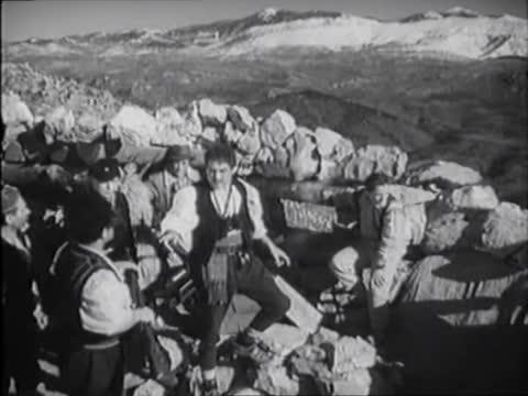 В горах Югославии [1946, военный, драма]