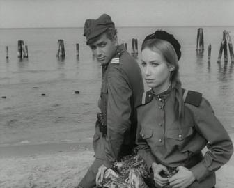 """Четыре танкиста и собака. 9 серия """"Замена"""" [1966-1970, военный]"""