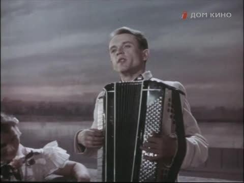 Весенние голоса [1955, музыкальный фильм]